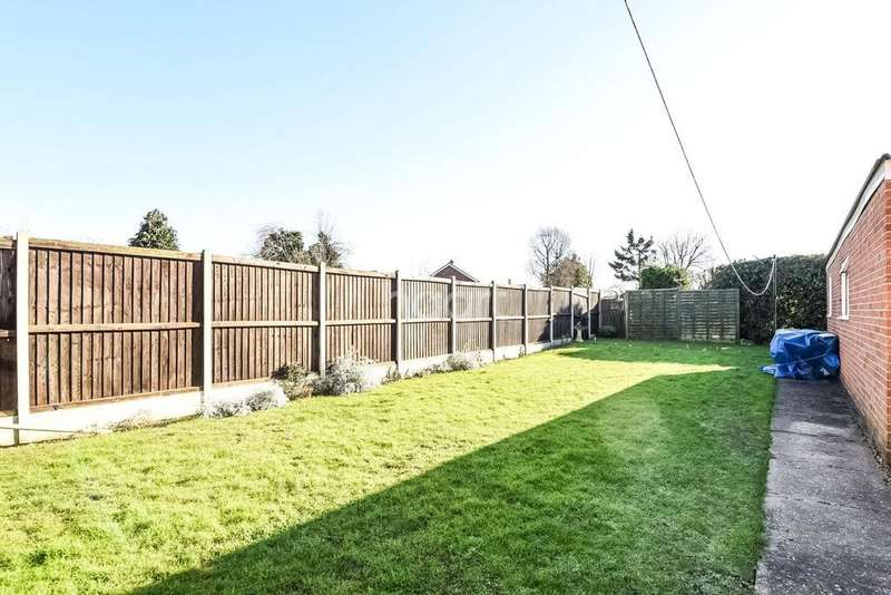 3 Bedrooms Semi Detached House for sale in Shipdham Road, Toftwood