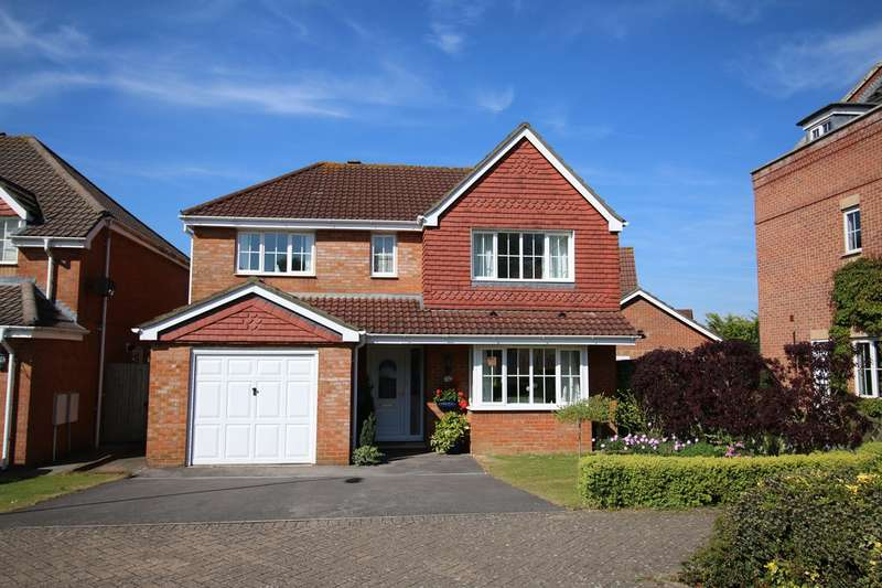 4 Bedrooms Detached House for sale in Turnberry Drive, Beggarwood, Basingstoke, RG22