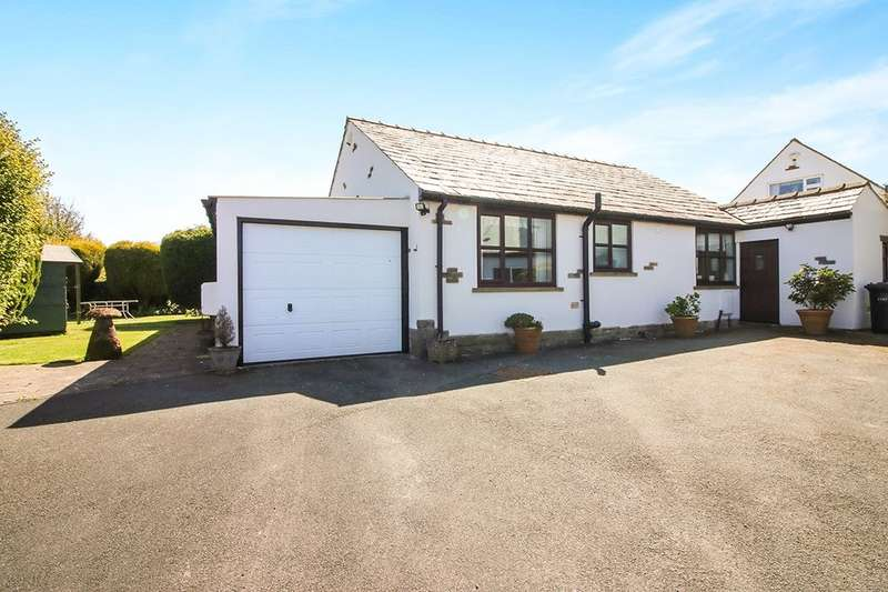 2 Bedrooms Detached Bungalow for sale in Inglenook Hill Top Road, Oakworth, KEIGHLEY, BD22