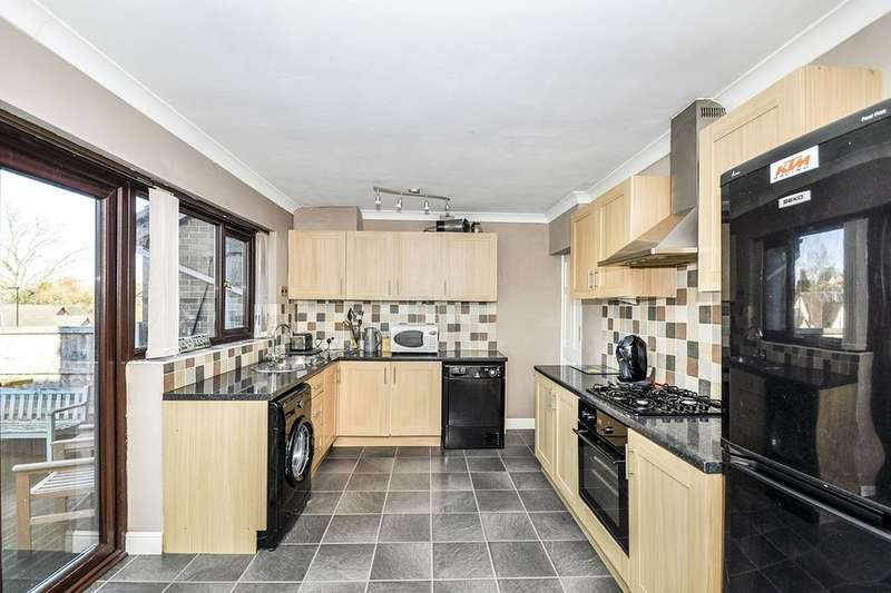 4 Bedrooms Semi Detached House for sale in Myers Grove Lane, Sheffield, S6