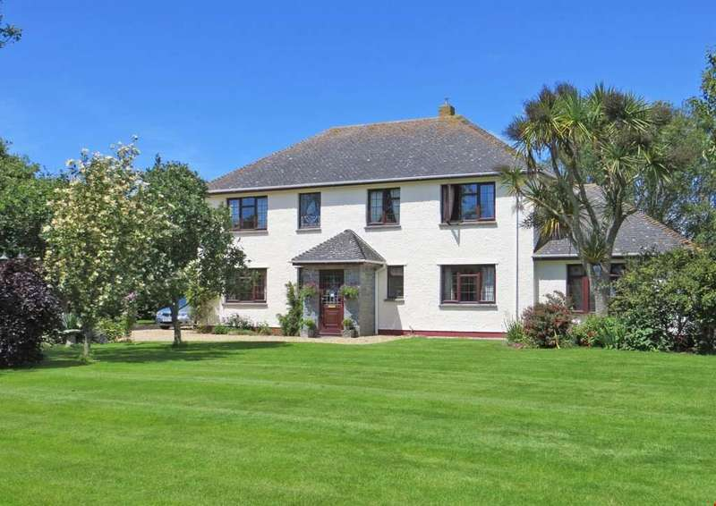 4 Bedrooms Detached House for sale in Kuggar, Nr. Kennack Sands, South Cornwall, TR12
