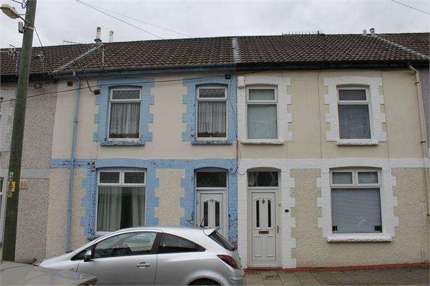 3 Bedrooms Terraced House for sale in Pergwm Street, Trealaw, Tonypandy, Mid Glamorgan. CF40 2UP