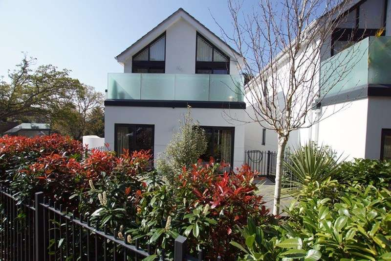 4 Bedrooms Detached House for sale in De Redvers Road, Lower Parkstone, Poole