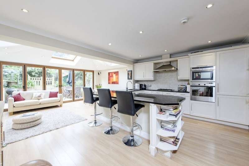 5 Bedrooms Terraced House for sale in Walsingham Place, Battersea, London