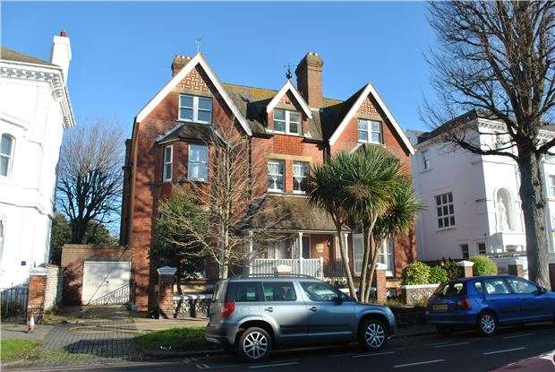 3 Bedrooms Flat for sale in Devonshire Place, EASTBOURNE, East Sussex, BN21 4AD