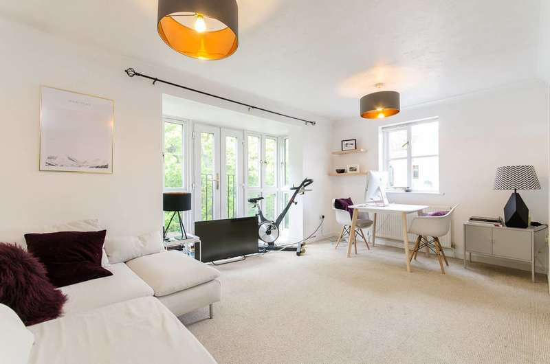 2 Bedrooms Flat for sale in Wellington Way, Bow, E3