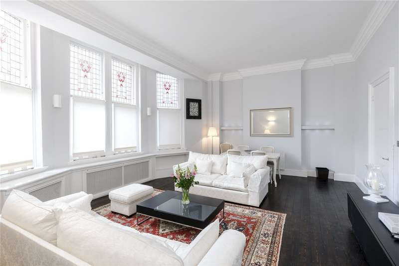 2 Bedrooms Flat for sale in Kensington Court, London, W8