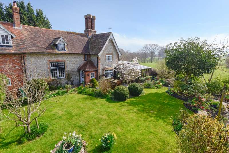 2 Bedrooms Cottage House for sale in School Cottage, Bonnington, Ashford TN25