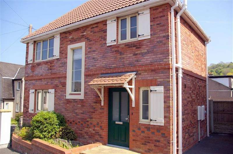 3 Bedrooms Detached House for sale in Old Conway Road, Mochdre, Colwyn Bay