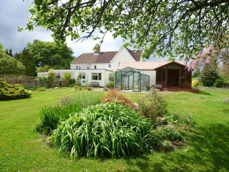 3 Bedrooms Semi Detached House for sale in Heywood, Westbury