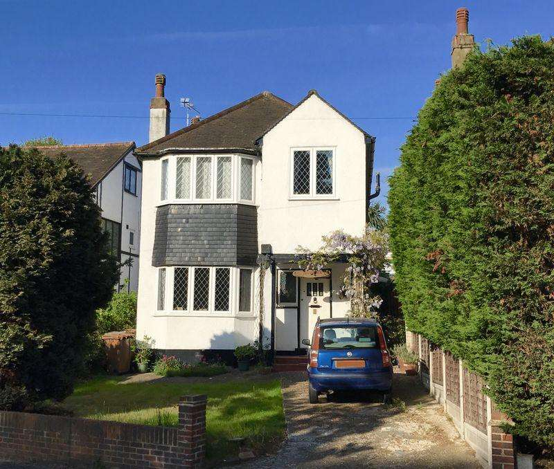 3 Bedrooms Detached House for sale in Arcadian Avenue, Bexley
