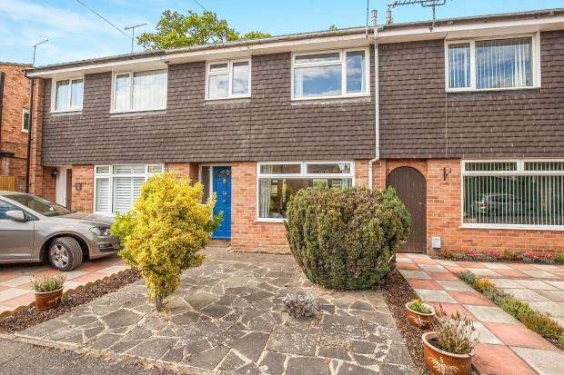 3 Bedrooms Terraced House for sale in West Byfleet, Surrey