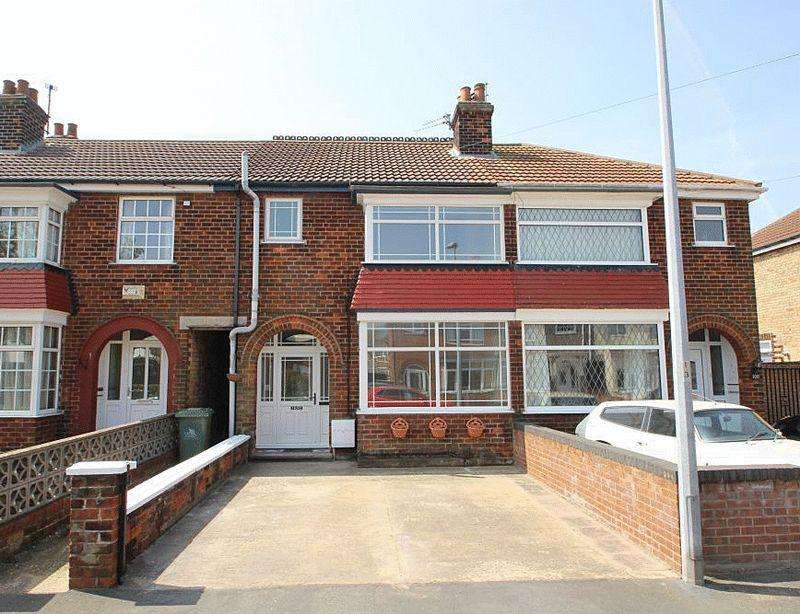 3 Bedrooms Terraced House for sale in CAMPDEN CRESCENT, CLEETHORPES