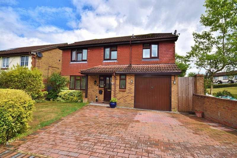 5 Bedrooms Detached House for sale in Hatch Warren, Basingstoke, RG22