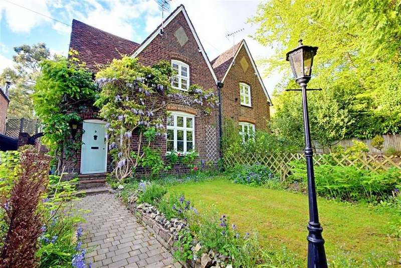 3 Bedrooms Semi Detached House for sale in Shenley Hill, Radlett, Hertfordshire