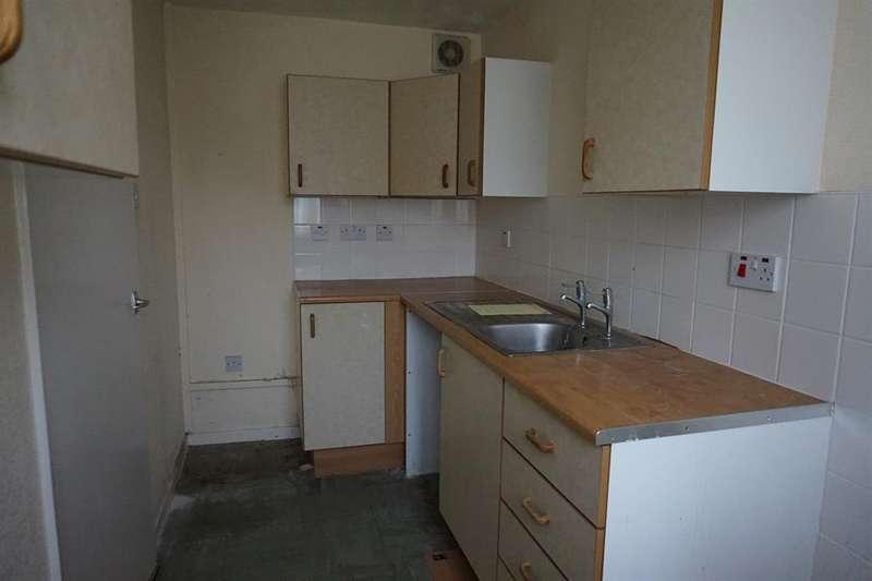 Studio Flat for sale in Barnet Court, Melbourne Avenue , Ramsgate, CT12 6LP