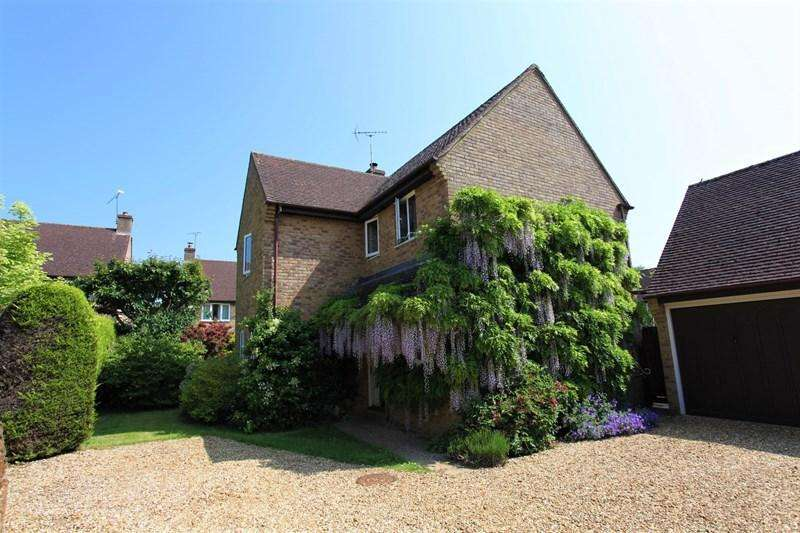 4 Bedrooms Detached House for sale in Ironstone Hollow, Hook Norton, Banbury