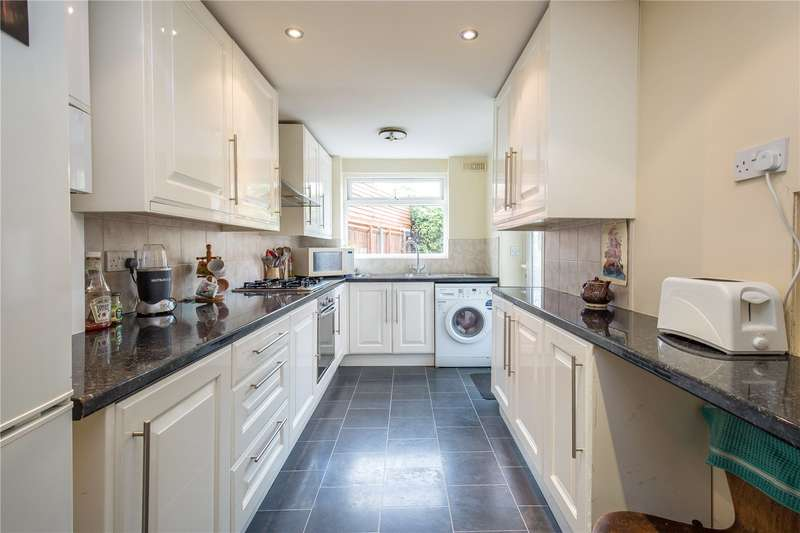 3 Bedrooms Semi Detached House for sale in Brunswick Park Road, New Southgate, N11