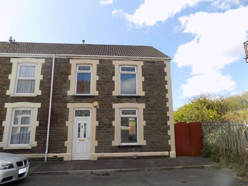 3 Bedrooms End Of Terrace House for sale in Collins Street, Neath, Neath Port Talbot. SA11