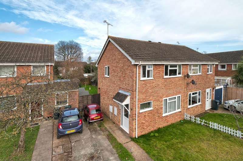 3 Bedrooms Semi Detached House for sale in Washford Farm Road, Ashford, TN23