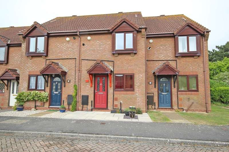 2 Bedrooms Terraced House for sale in Studley Court, Barton on Sea, New Milton