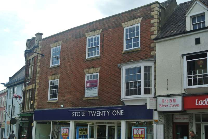 2 Bedrooms Maisonette Flat for sale in High Street, Evesham