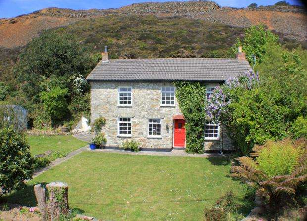 4 Bedrooms Detached House for sale in Mount Hawke, Truro, Cornwall
