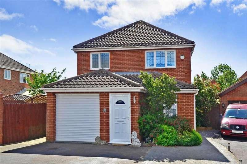 3 Bedrooms Detached House for sale in Petrel Close, Herne Bay, Kent