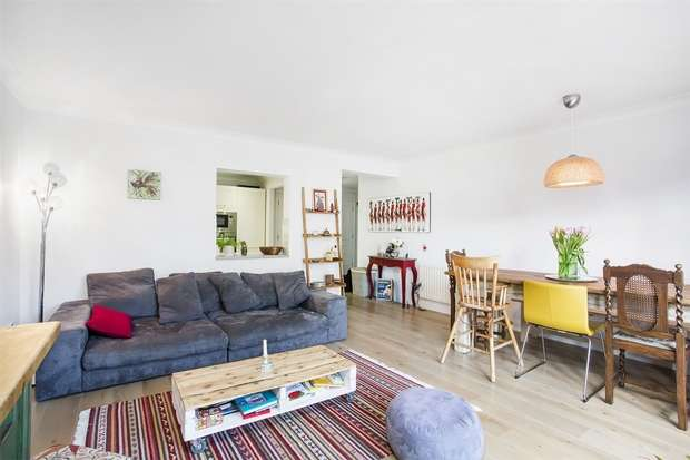 2 Bedrooms Flat for sale in Maltings Lodge, Corney Reach Way, Chiswick