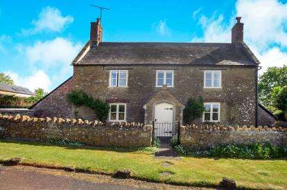 3 Bedrooms Detached House for sale in Bruton, Somerset, England