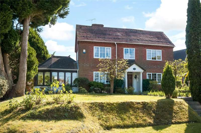 3 Bedrooms Detached House for sale in Romsey Road, Whiteparish, Wiltshire, SP5