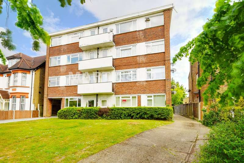 2 Bedrooms Flat for sale in The Ridgeway, Chingford