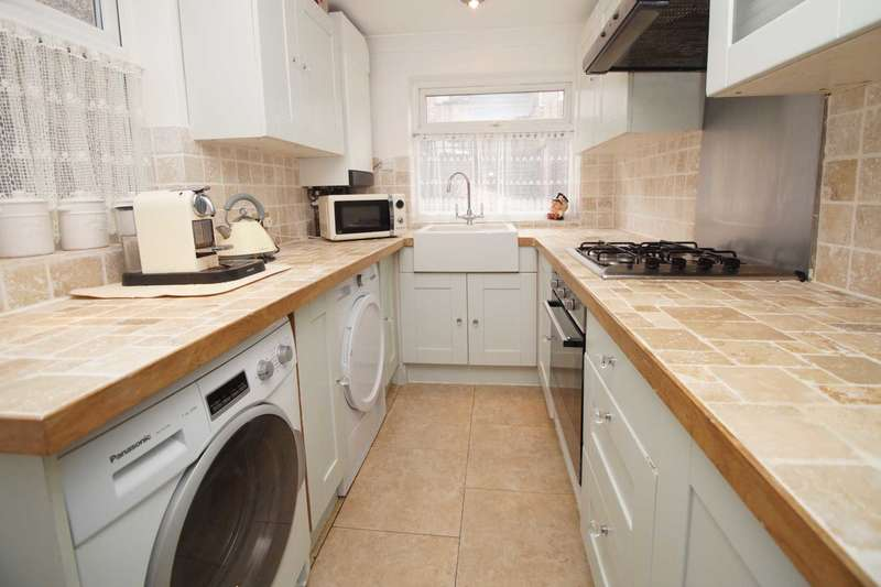 3 Bedrooms End Of Terrace House for sale in Henry Street, Apsley, Hemel Hempstead