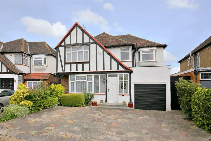 4 Bedrooms Detached House for sale in PARKSIDE DRIVE, EDGWARE
