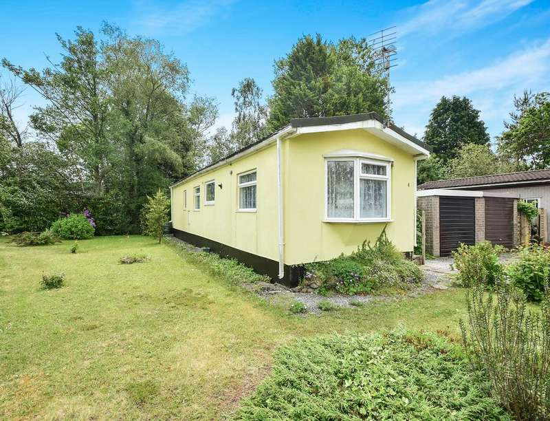 2 Bedrooms Detached Bungalow for sale in Northwoods New Park, Bovey Tracey, Newton Abbot, TQ13