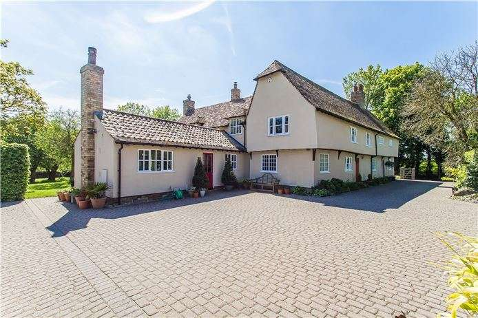 5 Bedrooms Detached House for sale in Main Street, Caldecote, Cambridge