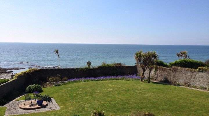 2 Bedrooms Flat for sale in Celtic Shores, Beach Hill, Downderry, Cornwall, PL11 3NT