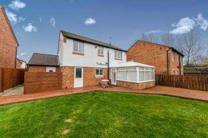 4 Bedrooms Detached House for sale in Mickle Close, Washington, Tyne and Wear, NE37
