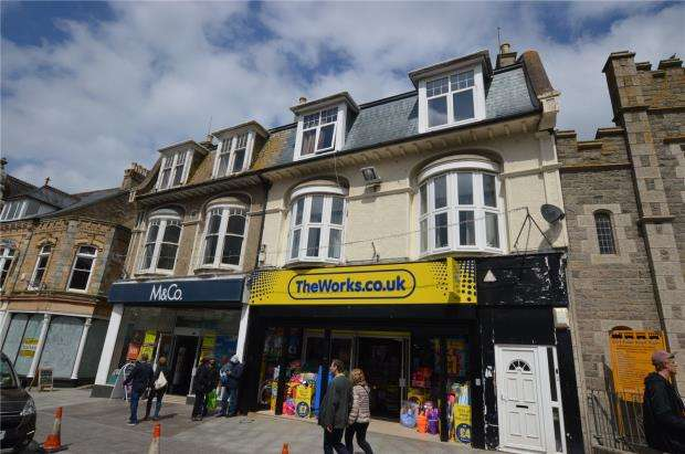3 Bedrooms Flat for sale in Bank Street, Newquay, Cornwall