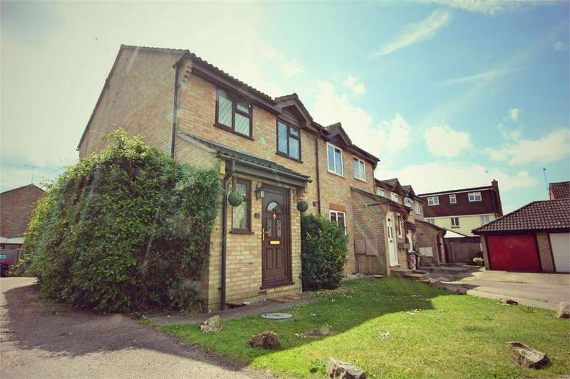 3 Bedrooms Semi Detached House for sale in Kirk Place, CHELMSFORD, Essex