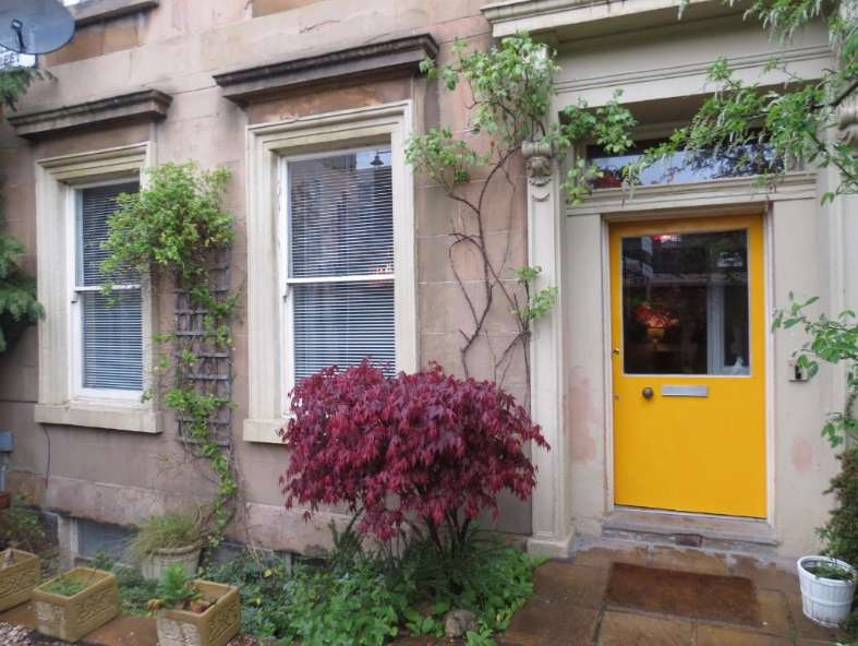 3 Bedrooms Flat for rent in Buccleuch Street, Garnethill, Glasgow