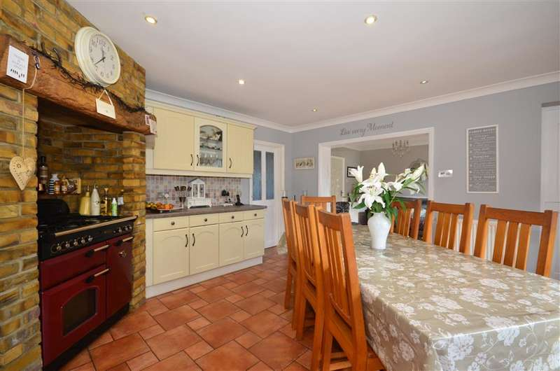 3 Bedrooms Semi Detached House for sale in Parsonsfield Close, Banstead, Surrey