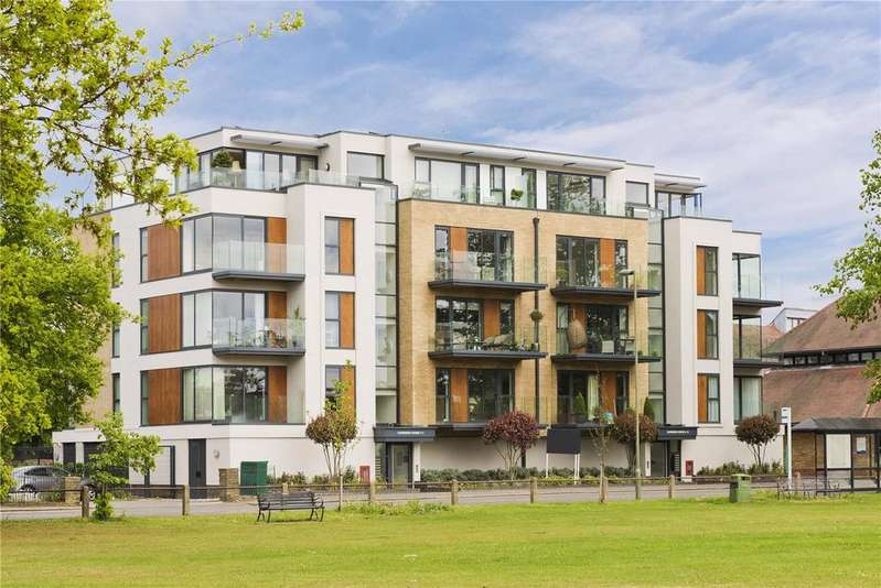 3 Bedrooms Penthouse Flat for sale in 9-11 Queens Road, Hersham, Walton-on-Thames, Surrey, KT12