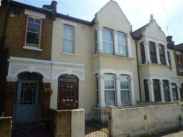4 Bedrooms Terraced House for sale in Fletcher Lane, Leyton