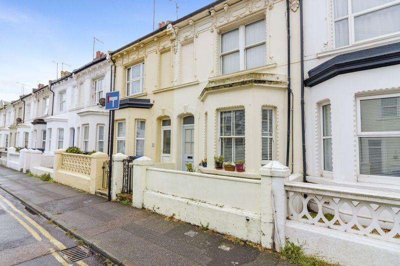 1 Bedroom Flat for sale in Graham Road, Worthing