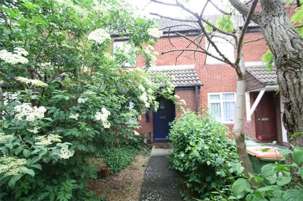 2 Bedrooms Terraced House for sale in Barton Close, Beckton, London
