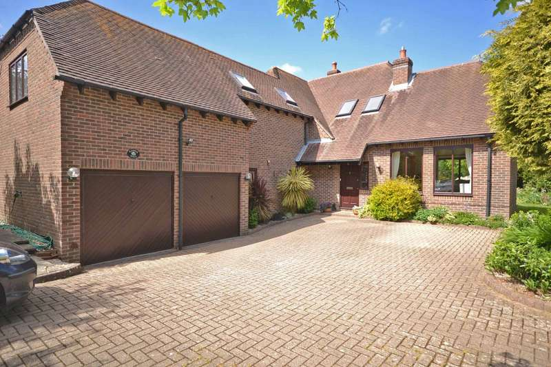 4 Bedrooms Detached House for sale in Lagness Road, Runcton, PO20