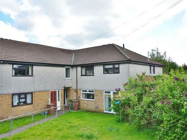 2 Bedrooms Flat for sale in Third Avenue, CAERPHILLY