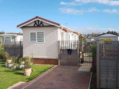 1 Bedroom Mobile Home for sale in Three Star Park, Bedford Road, Lower Stondon, Henlow