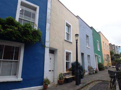 2 Bedrooms Terraced House for sale in Ambra Vale South, Bristol, Somerset